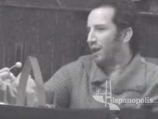 EXCLUSIVO!!! Plutarco Haza platica en un bar y baila en otro.