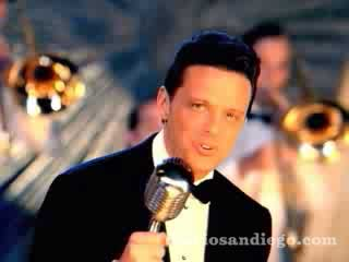 Santa Claus Llego A La Ciudad (Santa Claus Is Coming To Town) by Luis Miguel