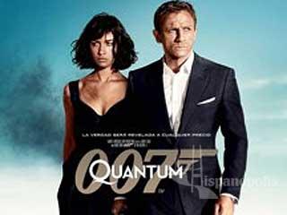 En Quantum of Solace, James Bond (Daniel Craig) ha capturado al Sr. White (Jesper Christensen), como presenciamos al final de Casino Royale y a través de su nuevo rehén deberá buscar información acerca de la misteriosa organización terrorista en la que trabajaban tanto el Sr White como Le Cock, M (Judi Dench) le asignara una compañera a Bond, la agente del MI6 destinada en Bolivia conocida simplemente como Fields (Gemma Anterton), y contará nuevamente con la ayuda de Felix Leiter (Jeffrey Wright) agente de la CIA y de Rene Mathis (Giancarlo Giannini) quien se revelará como un verdadero aliado de Bond al usar su status de doble agente para descubrir la organización terrorista, Bond también se encontrará con la hermosa Camille (Olga Kurylenko) quien ayudará a Bond a superar la muerte y traición de Vesper Lynd (Eva Green) y a controlar sus sentimientos, mientras viajando a Panamá se enfrenta con El General Medrano (Joaquín Cosio), quien resulta ser miembro de la misma organización terrorista, subordinado del misterioso Dominique Greene (Mathieu Amalric), Medrano y Greene planean un acuerdo de beneficio mutuo: la organizacion terrorista ayudara el ascenso de Medrano al poder y establecer un regimen autocratico en latinoamerica a cambio de otorgarle a Greene una gran parte de tierra latinoamericana y darle control de los recursos naturales mas importantes del mundo, y Bond saciará su sed de venganza por la muerte de Vesper Lynd al descubrir que uno de los miembros importantes de la organización es su desaparecido novio algerino aparentemente secuestrado.