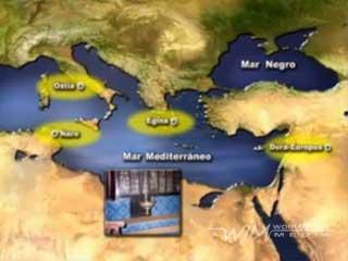 Del largo exilio de la población judía o Diáspora, existen numerosas muestras, aunque lógicamente muy dispersas. Las sinagogas más importantes se localizan a lo largo de la mitad oriental mediterránea, en lugares como Ostia, Naro, Egina o Dura-Europos, entre otros. También son significativos los cementerios judíos de la antigüedad, como los de Roma y Venosa, en Italia, los de Alejandría y El Yahûdiya, en Egipto, o el de Beit Shearim, en Israel. Por último, los manuscritos más importantes fueron hallados en Qumrán, aunque son notables los de Oxyrrincos y Elefantina, en Egipto.  Durante la Edad Media, la expansión judía fue mayor, alcanzado a todo el Mediterráneo y Europa. Son muy numerosos los restos de sinagogas medievales, destacando las de Toledo, Gerona, Palma, Ruán, Venecia, Praga o Siracusa. También importantes son las de Djerba y El Cairo, en Africa. Muy significativos son los cementerios de Praga y Cracovia, mientras que, finalmente, son numerosos los lugares en que se conservan manuscritos de este periodo, como Oxford, Cambridge, París, Amsterdam o Budapest, entre otros muchos.