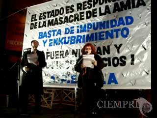 Acto organizado por la Agrupación por el Esclarecimiento del Atentado Impune de AMIA (APEMIA).