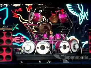 """Moderato en vivo – """"Solo"""" del baterista"""