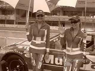 Las chicas más guapas de NASCAR en HispanoPolis.com