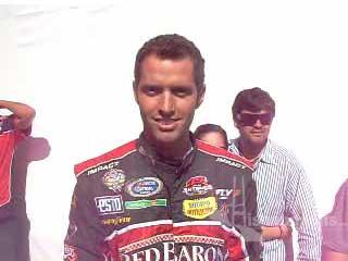 Jorge Arteaga, piloto NASCAR saluda a Hispanopolis