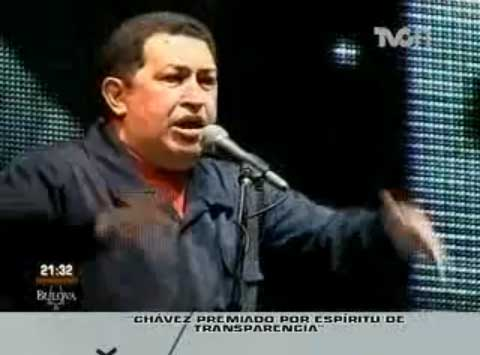 El Presidente de Venezuela, Hugo Chávez, quien visita Argentina, fue elevado al rango de Paladín de la Libertad de Prensa en el Continente Americano, al recibir un Premio de la Facultad de Periodismo y Comunicación Social de la Universidad Nacional de la Plata.