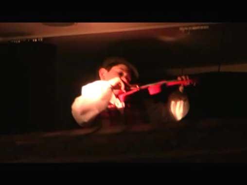 Presentación de El Pequeño Violinista en el Tejado, de Sholem Aleijem en el Auditorio Ramat Shalom, con la excelente adaptación y dirección de Anita Fainsod. Visita la galería de fotos de este evento, oprime aquí.