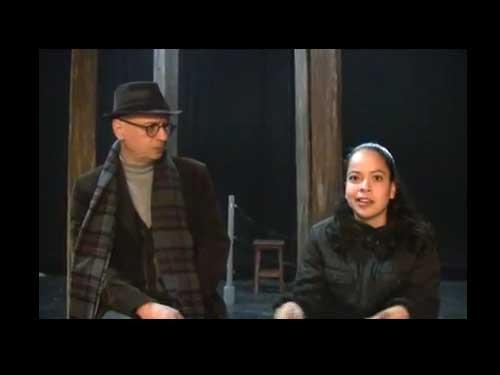 La Asociación Yad Vashem de México y la Kehila Ashkenazí se unieron en un proyecto muy ambicioso: la producción de la obra El Último Ciclista, escrita por Karl Svenk en 1944 en el campo de concentración nazi de Terezin, adaptada por Jana Sedova y Naomi Patz y dirigida en México por Isaac Slomianski, quien también la tradujo.   La obra es una sátira contra el nazismo. Svenk, autor y actor de teatro de vanguardia, conocido en Terezin como el Chaplin del Campo de Concentración, sabía que después de un largo día de trabajo forzado, lo primordial era entretener a los prisioneros. Y esto es evidente en la obra del Ciclista, pues la acción es muy dinámica y su ritmo vertiginoso. Svenk conocía muy bien la Comedia, y su obra es totalmente actual.