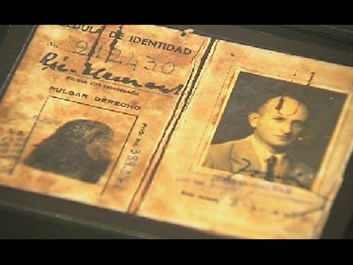 Una exposición exhibe por primera vez los archivos del Mossad, el servicio secreto de Israel, cuyos espías persiquieron por años a Adolf Eichmann hasta capturarlo en Argentina.