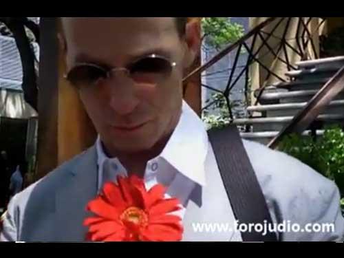 Entrevista Exclusiva con el cieneasta experimental Ricardo Nicolayevski y los realizadores de documental Just like heven, Pilar Ortega, Mauricio Hammer y Manuel Catelltort en el marco de festival de cine DISTRITAL en su tercera edición.  Por Salvador Alejandro Mendoza para Foro Judío