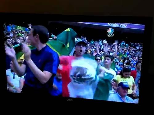 Roman Ajzen se unió al grito de ¡Vamos México! junto a miles de espectadores que fueron a demostrar su apoyo incondicional al Tricolor en este triunfo histórico al lograr el Oro Olímpico en fútbol en Londres 2012.