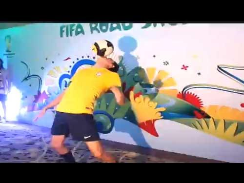 Dominando al balón de fútbol: gran exhibición rumbo al Mundial de Brasil 2014