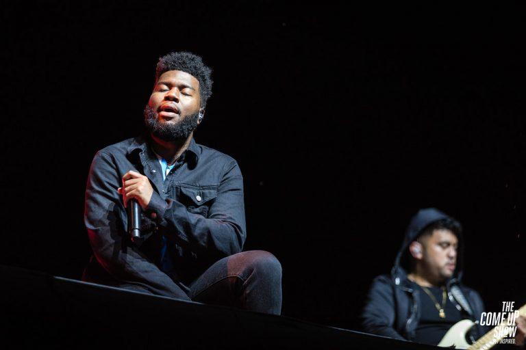 Khalid lanza fundación de música para comunidades marginadas
