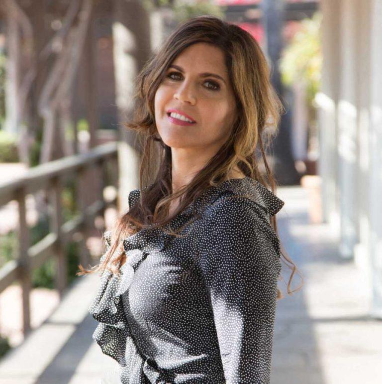 Sephardic Artist Follows her Dream