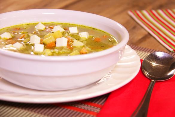 Sopa de verduras a los tres chiles