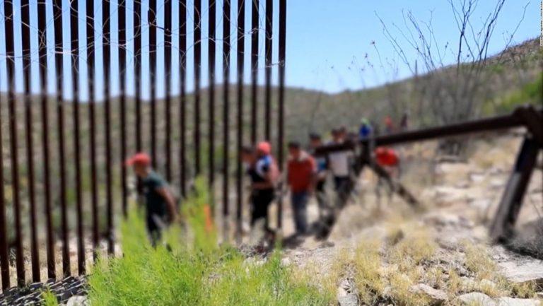 Biden debe lograr algo de la reforma inmigratoria en su primer año, por el bien de millones